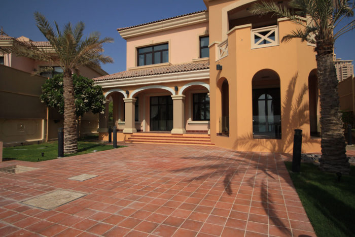 beautiful house for sale in Qatar Doha, The pearl  fgrealty