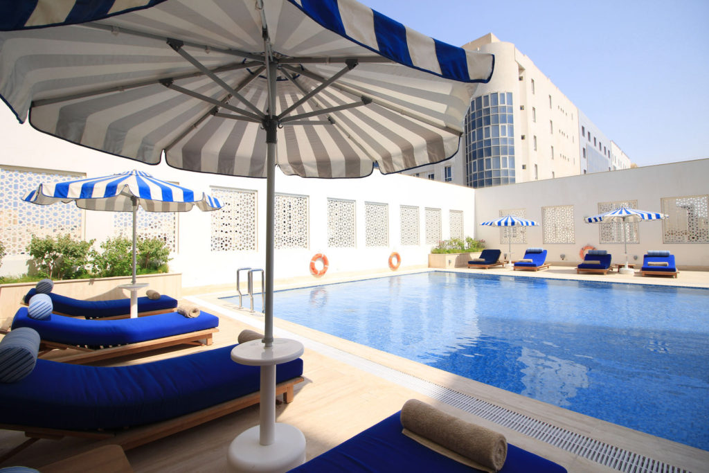 apartments for rent in Qatar - Doha - pool in residence FGREALTY