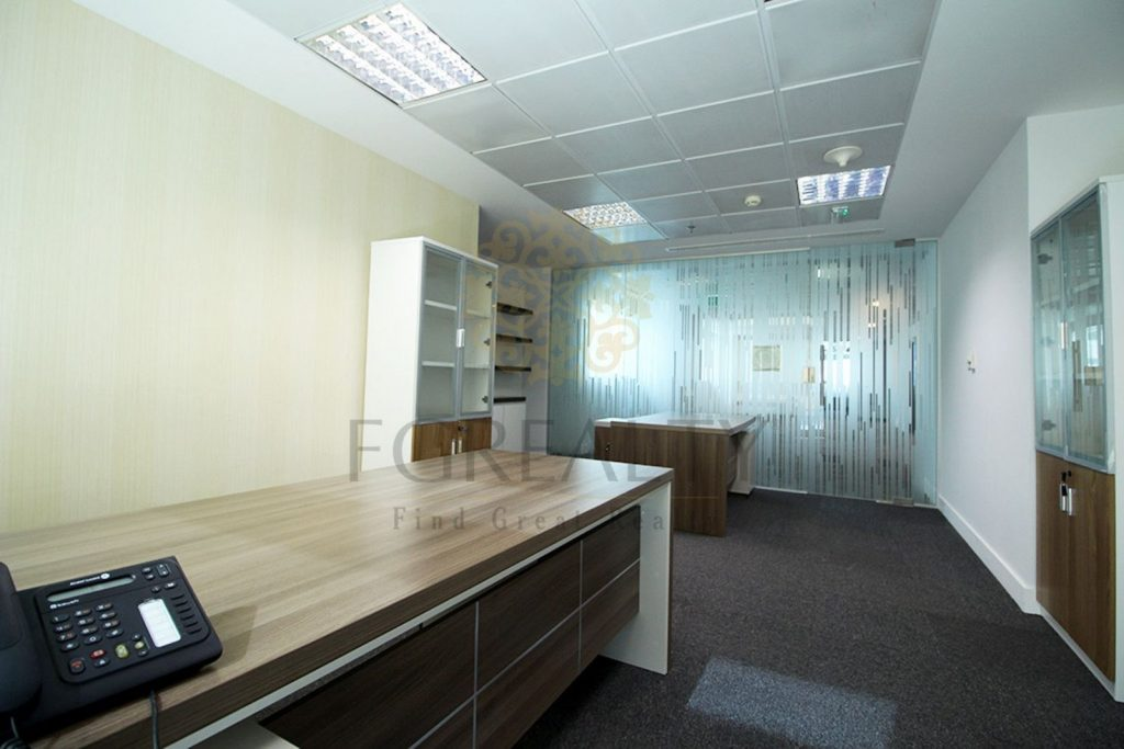 Image of fully-furnished office for rent
